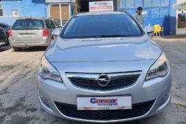 Opel Astra J, fata